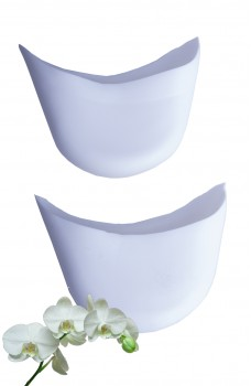 Toe padding with an orchid scent