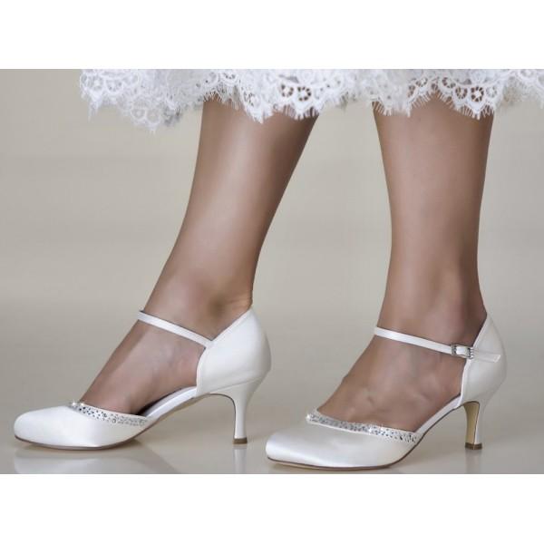 Adele, wedding shoes