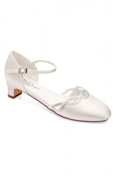 Annie, wedding shoes