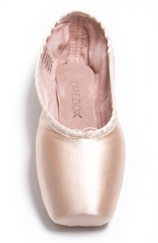 Capezio Ava pointe shoes for students, hard insole