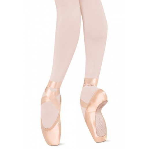 Bloch Sonata, pointe shoes